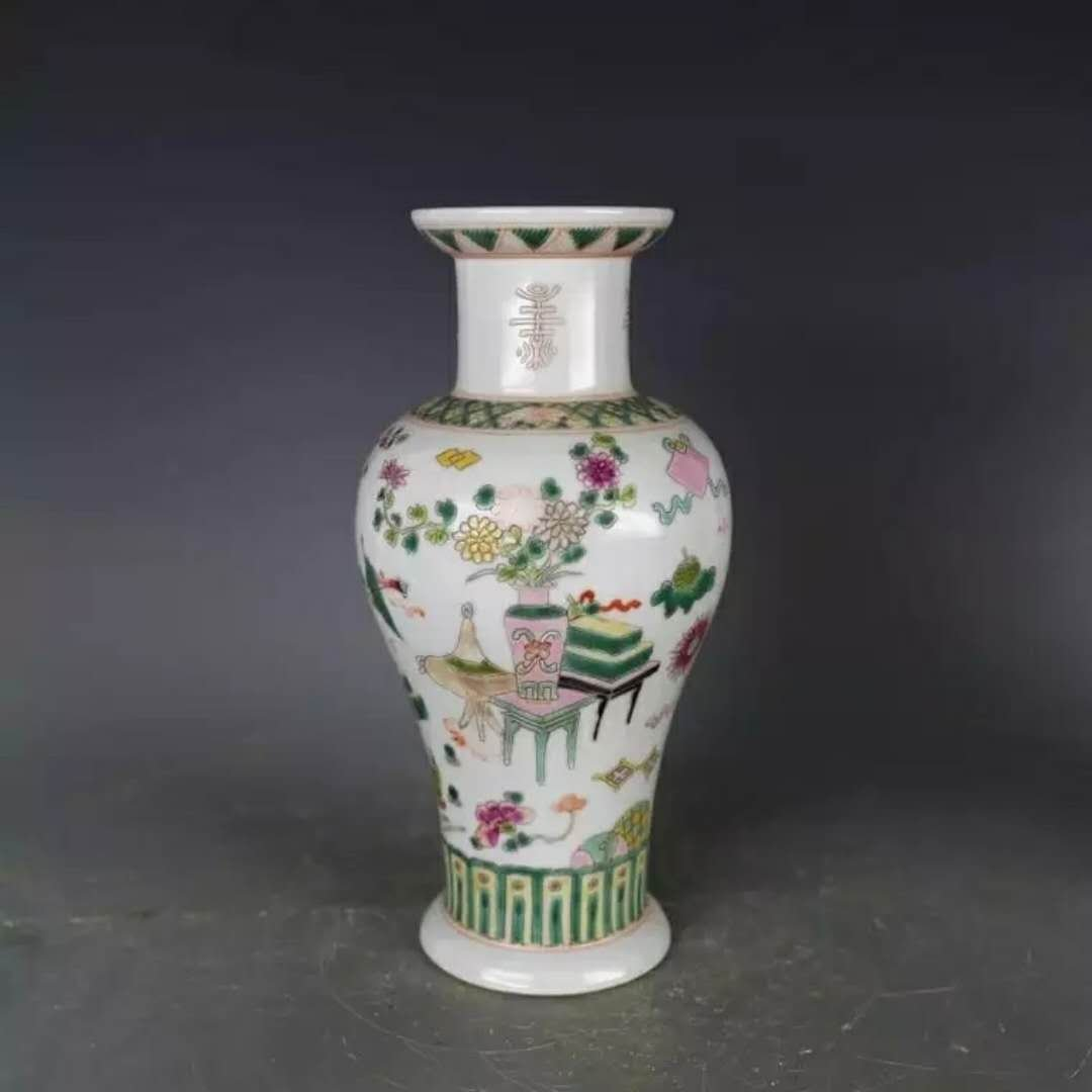 Mark Chinese famille rose porcelain vase