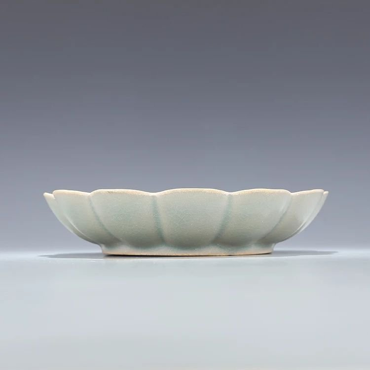A song dynasty style Chinese porcelain plate - 2