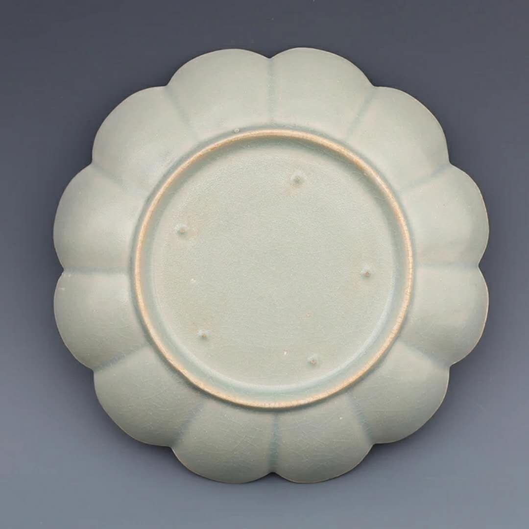 A song dynasty style Chinese porcelain plate - 3