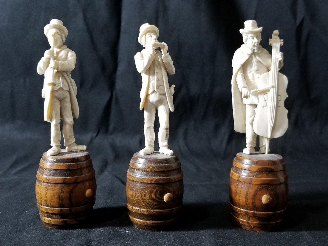 A set of Musician ivory color figures