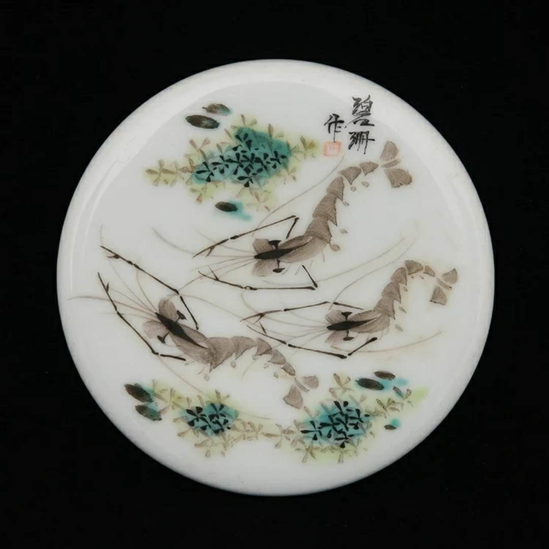 A republic period Chinese porcelain box