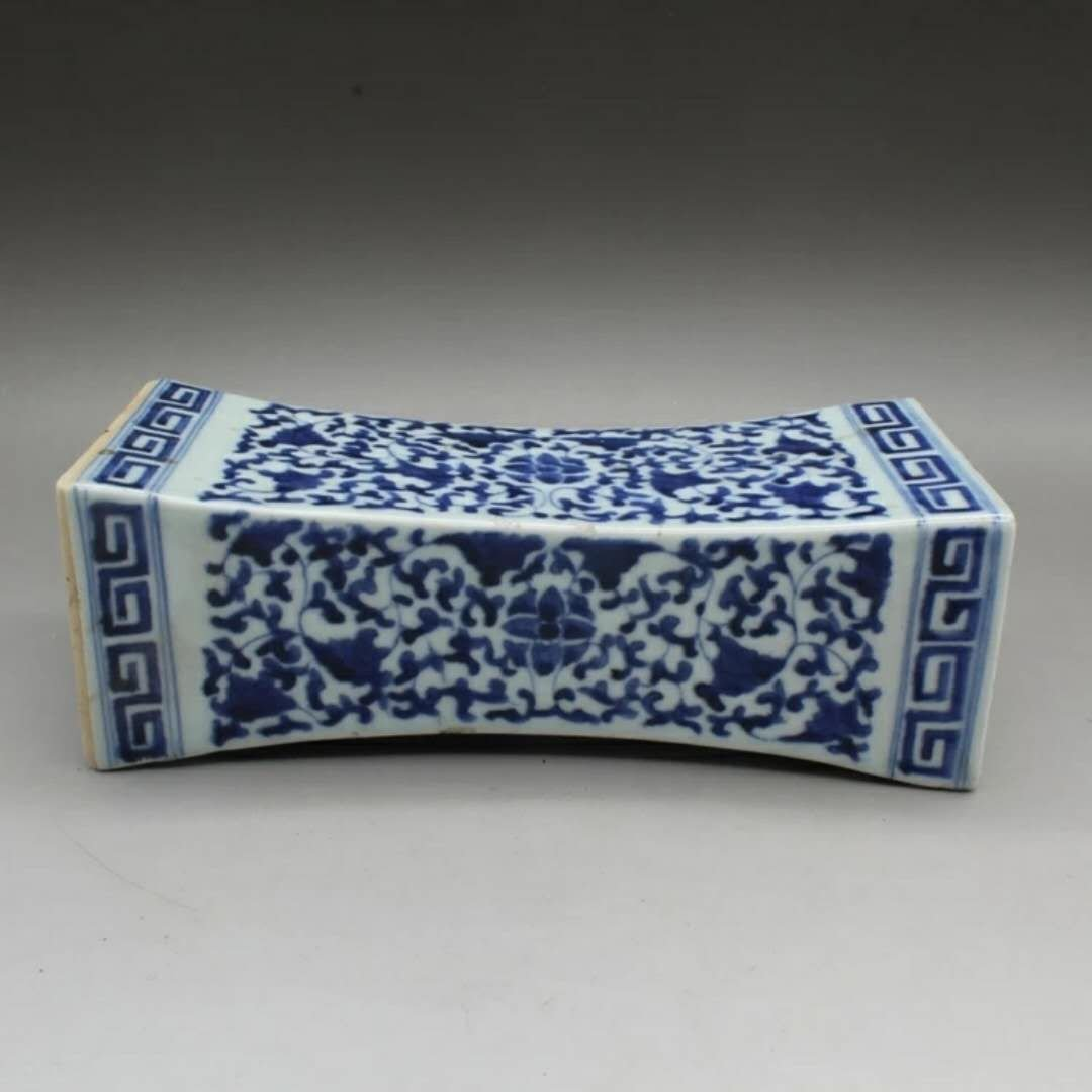 Old Chinese B/W porcelain pillow