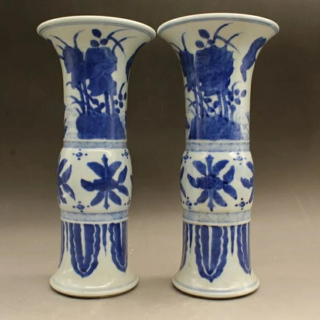 Excellent Chinese B/W porcelain vases