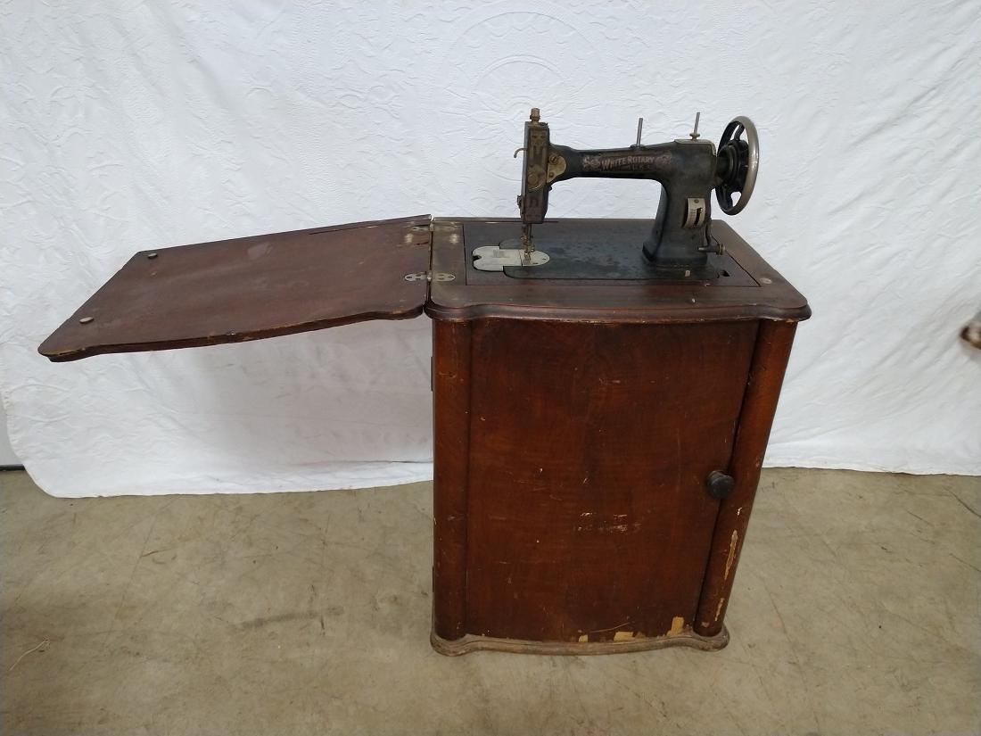 White Rotary Sewing Machine & Cabinet