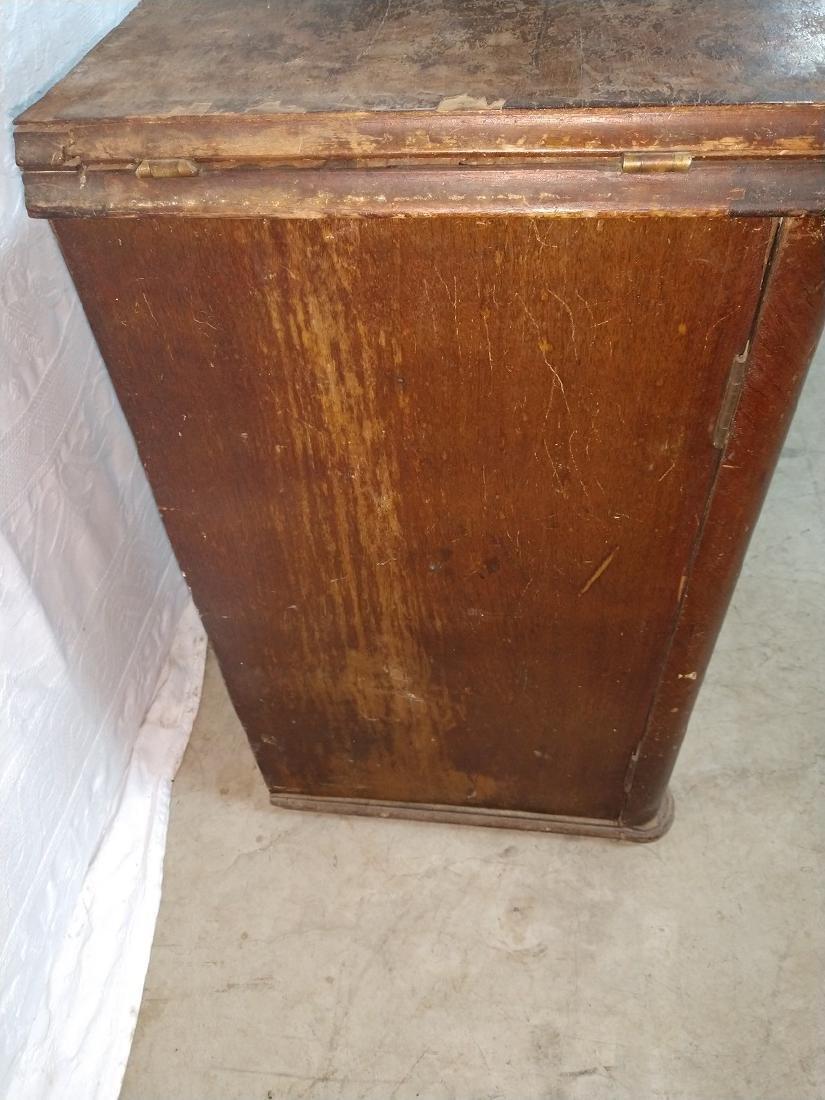 White Rotary Sewing Machine & Cabinet - 9