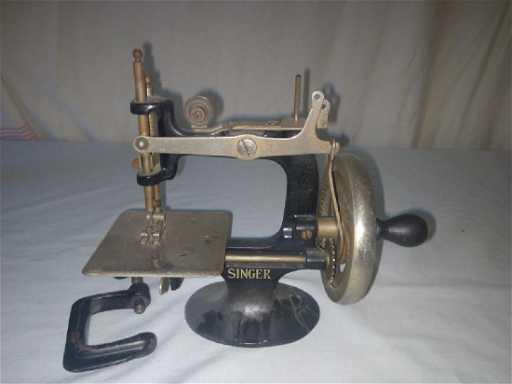 Mini Singer Sewing Machine Antique