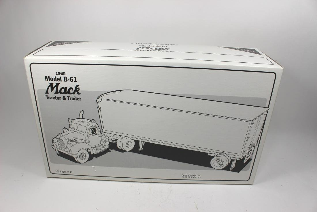 2/34 SCALE CHICAGO EXPRESS INC TRUCK MODEL - 2