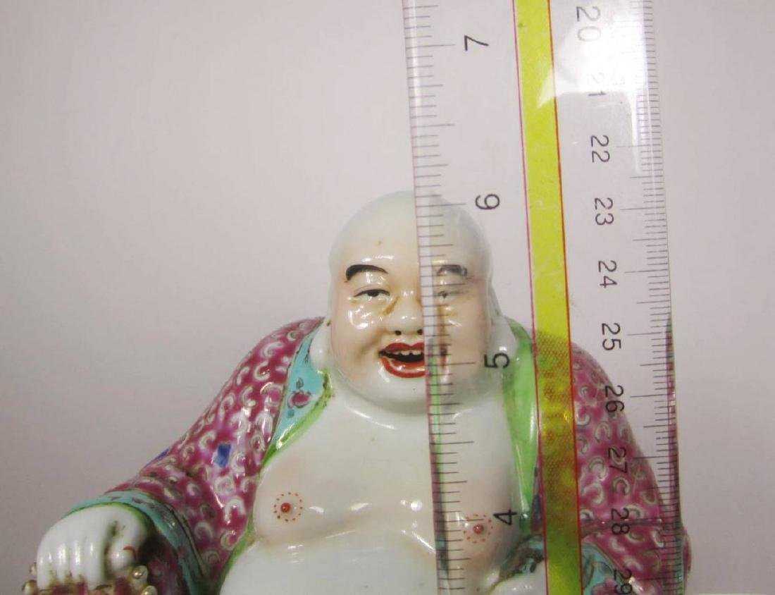 CHINENSE FAMILLE ROSE BUDDHA - 10