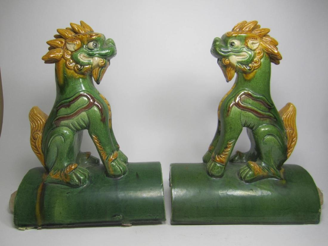 PAIR OF CHINESE SAN-CAI ROOF TITLES