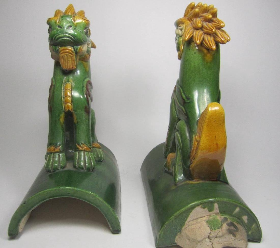 PAIR OF CHINESE SAN-CAI ROOF TITLES - 3