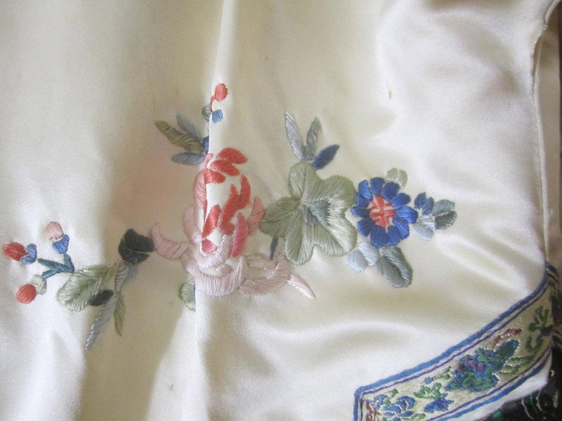 ANTIQUE CHINESE EMBROIDERY JACKET - 4