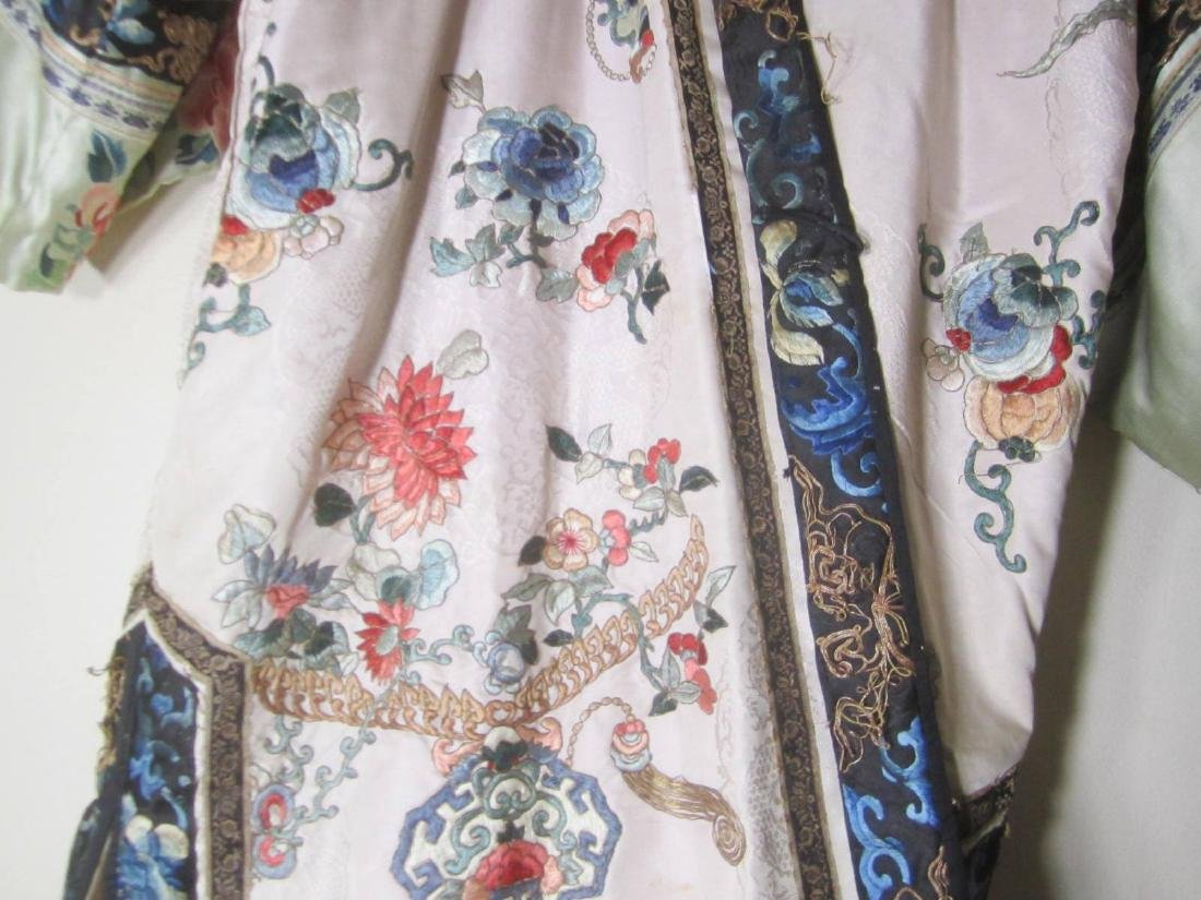 ANTIQUE CHINESE EMBROIDERY ROBE - 3