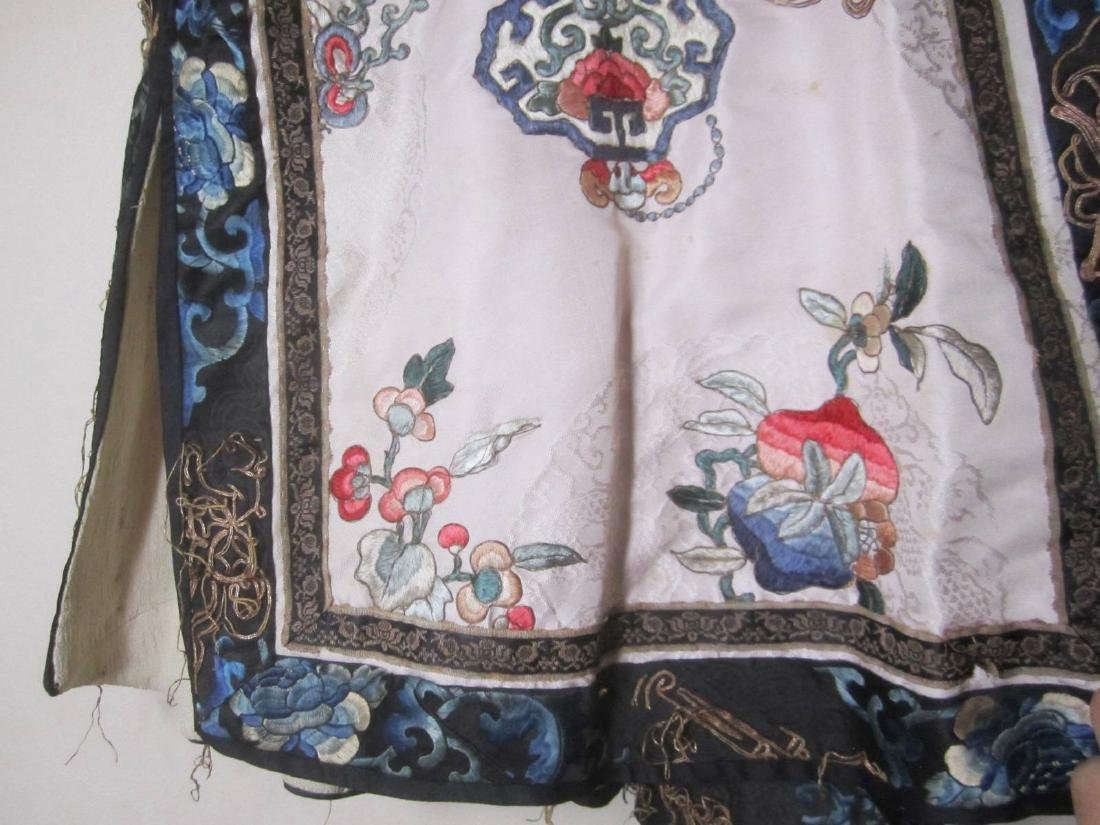 ANTIQUE CHINESE EMBROIDERY ROBE - 4