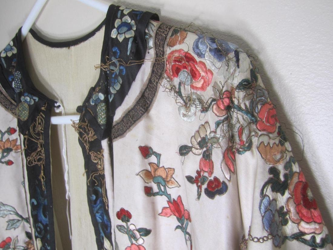 ANTIQUE CHINESE EMBROIDERY ROBE - 6