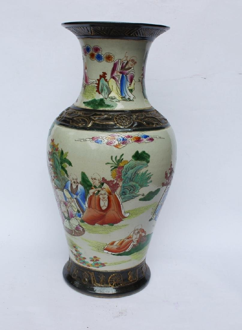 A LARGE CHINESE FAMILLE ROSE VASE