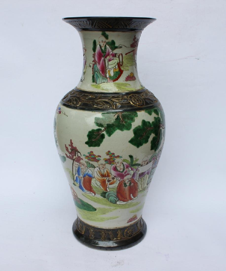 A LARGE CHINESE FAMILLE ROSE VASE - 2