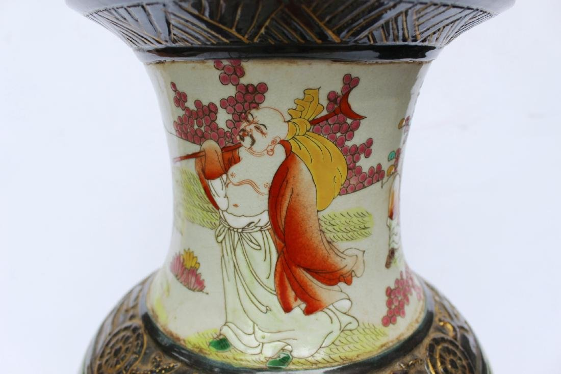 A LARGE CHINESE FAMILLE ROSE VASE - 8