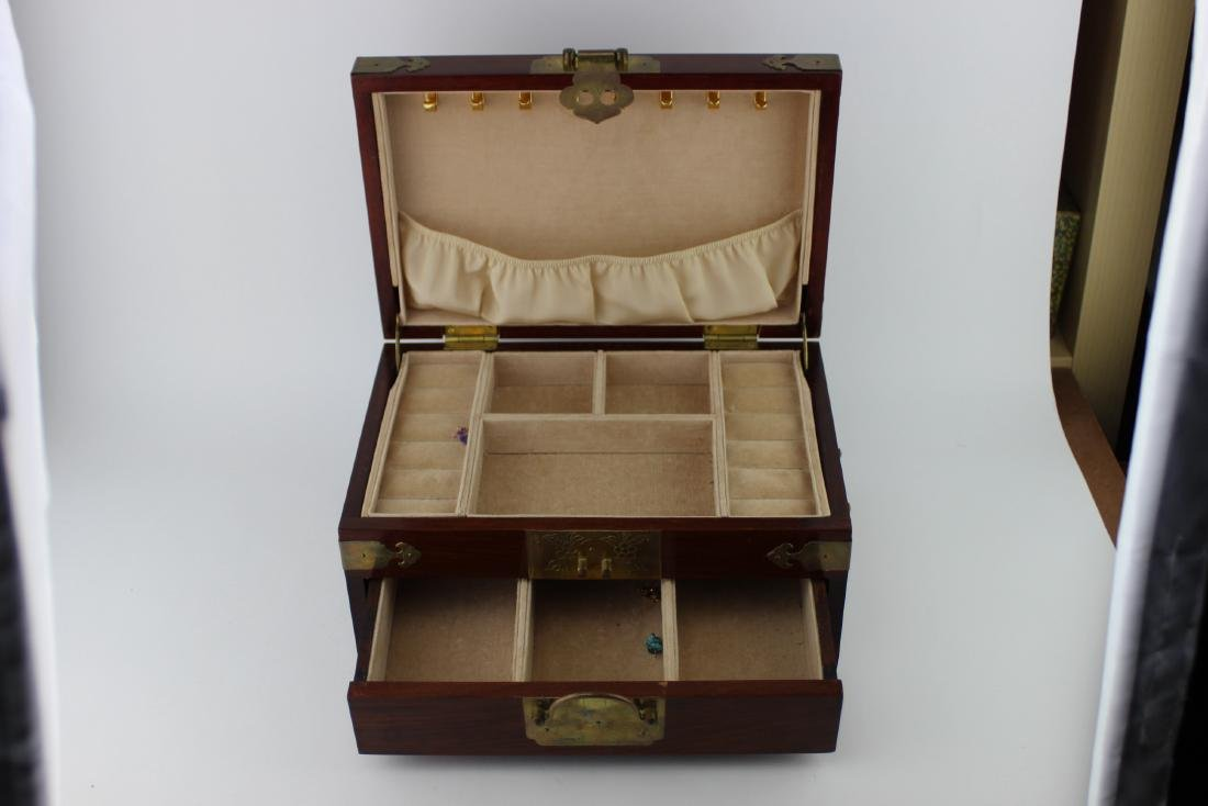 CHINESE REDWOOD JEWELRY BOX - 3