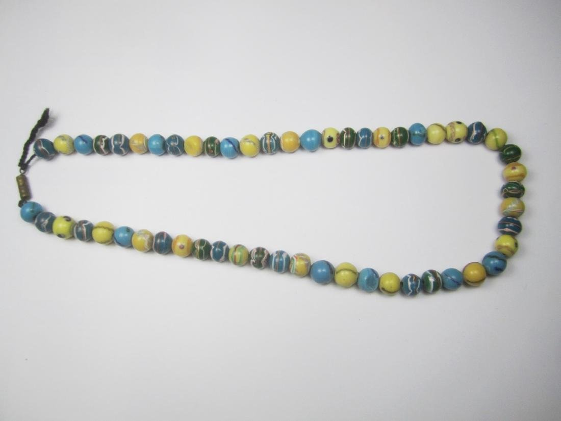 COLOR GLASS BEAD NECKLACE