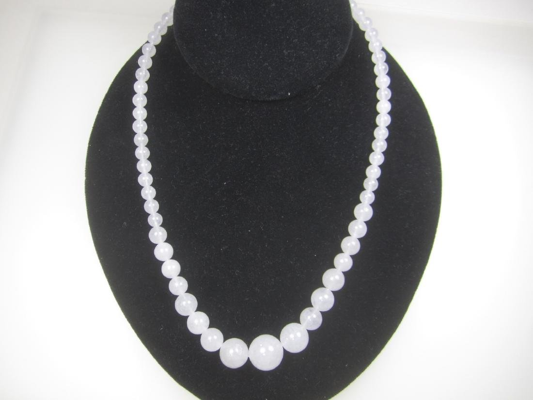 GRADUATED WHITE JADE BEAD NECKLACE
