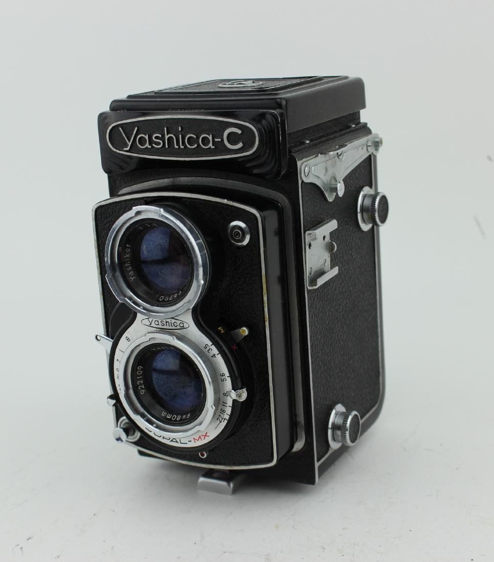 YASHICA-C TWIN-LENS REFLEX FILM CAMERA