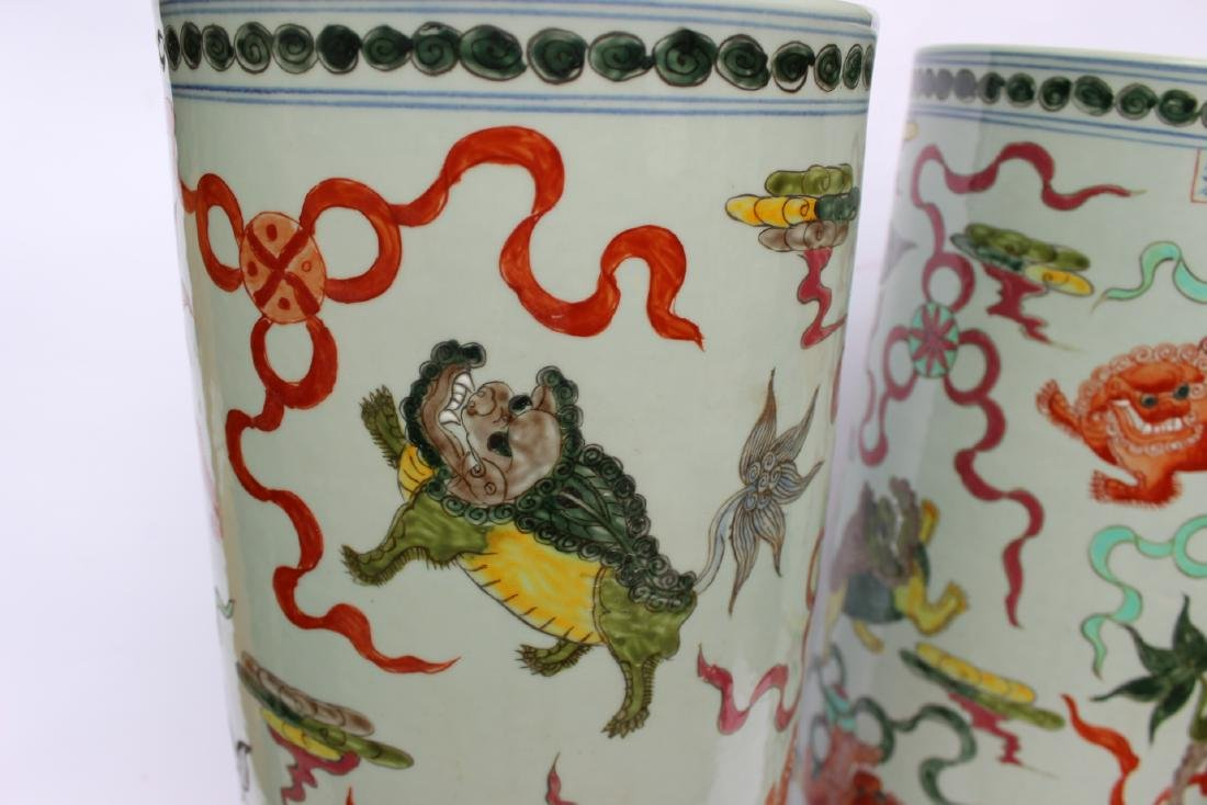 PAIR OF CHINESE FAMILLE VERTE UMBRELLA STANDS - 5