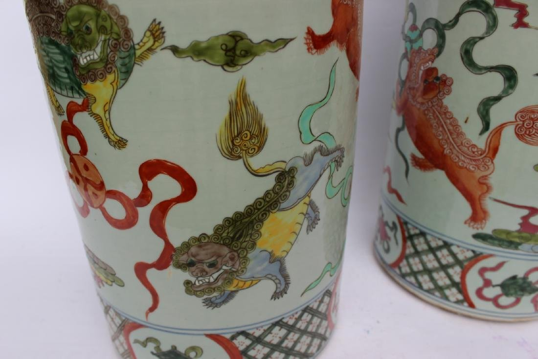 PAIR OF CHINESE FAMILLE VERTE UMBRELLA STANDS - 6