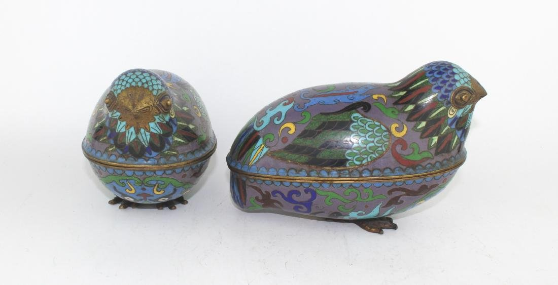 PAIR OF CHINESE CLOISONNE LIDDED BIRDS - 3