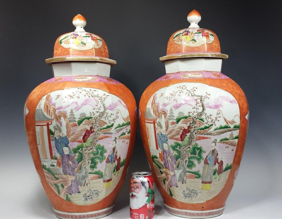 PAIR OF CHINESE EXPORT ROSE MEDALLION LIDDED VASES