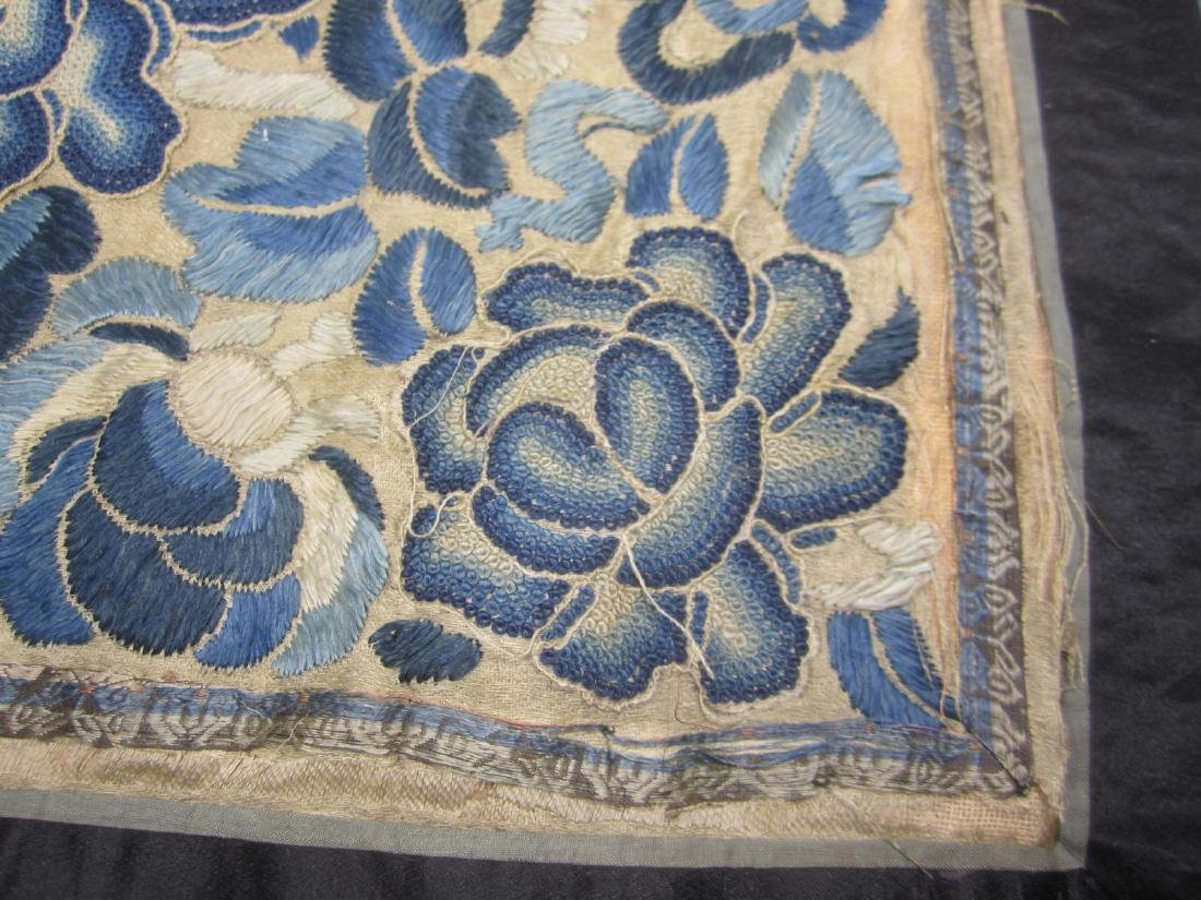 CHINESE EMBROIDERED SLIK TAPESTRY - 3