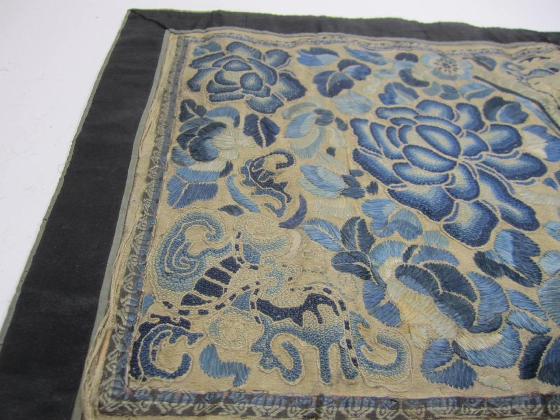 CHINESE EMBROIDERED SLIK TAPESTRY - 4