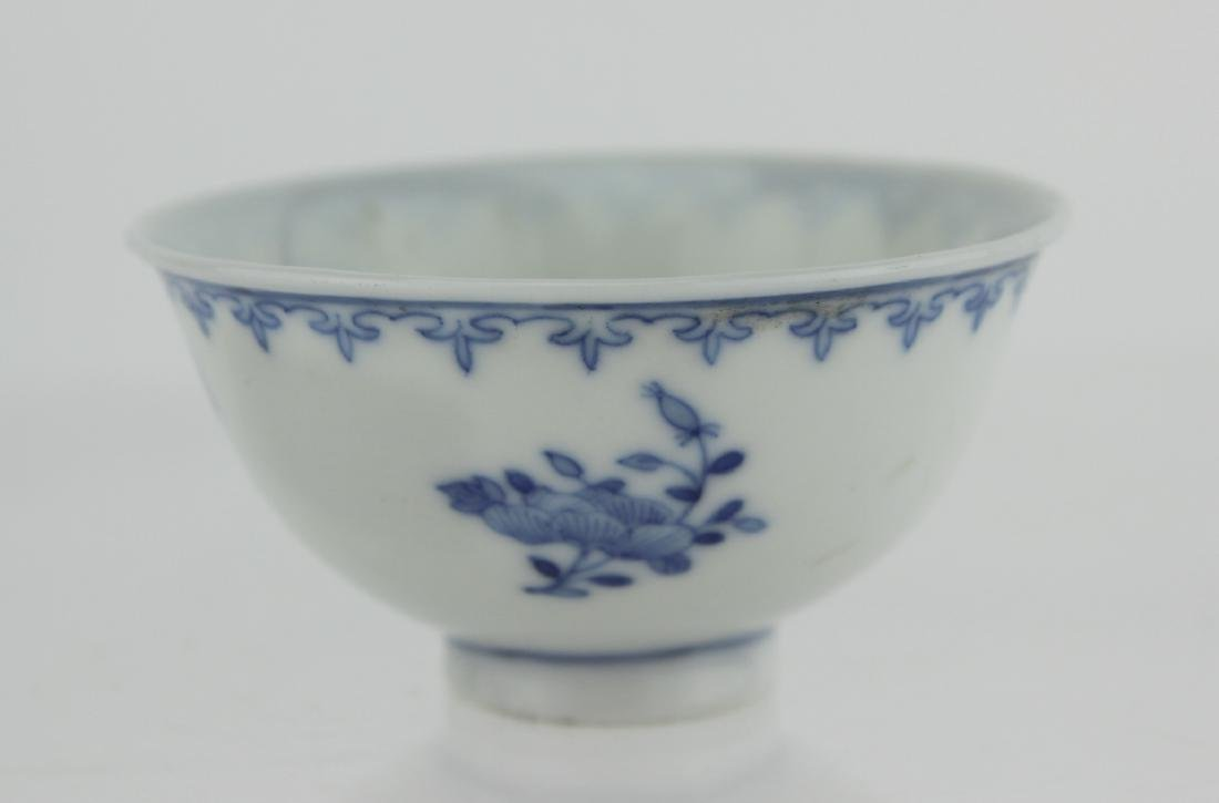 SMALL CHINESE BLUE AND WHITE BOWL - 2