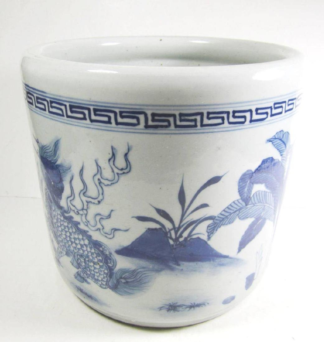 CHINESE BLUE AND WHITE PORCELAIN DRAGON BRUSH POT