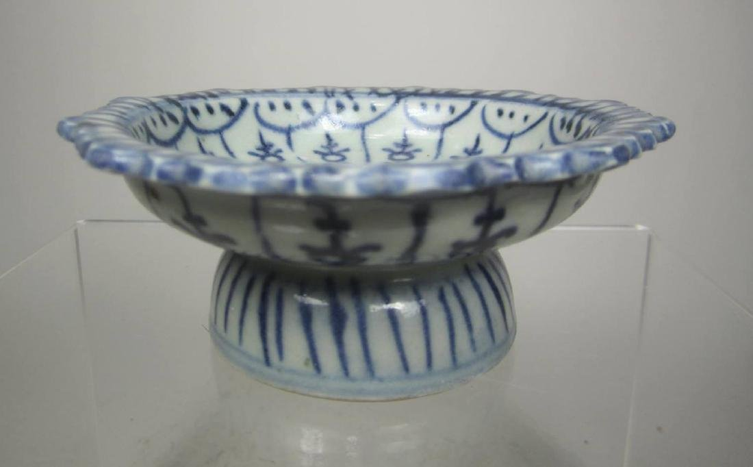 CHINESE B/W STEM BOWL