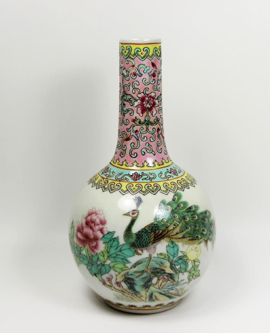 CHINESE EXPORT FAMILLE ROSE VASE