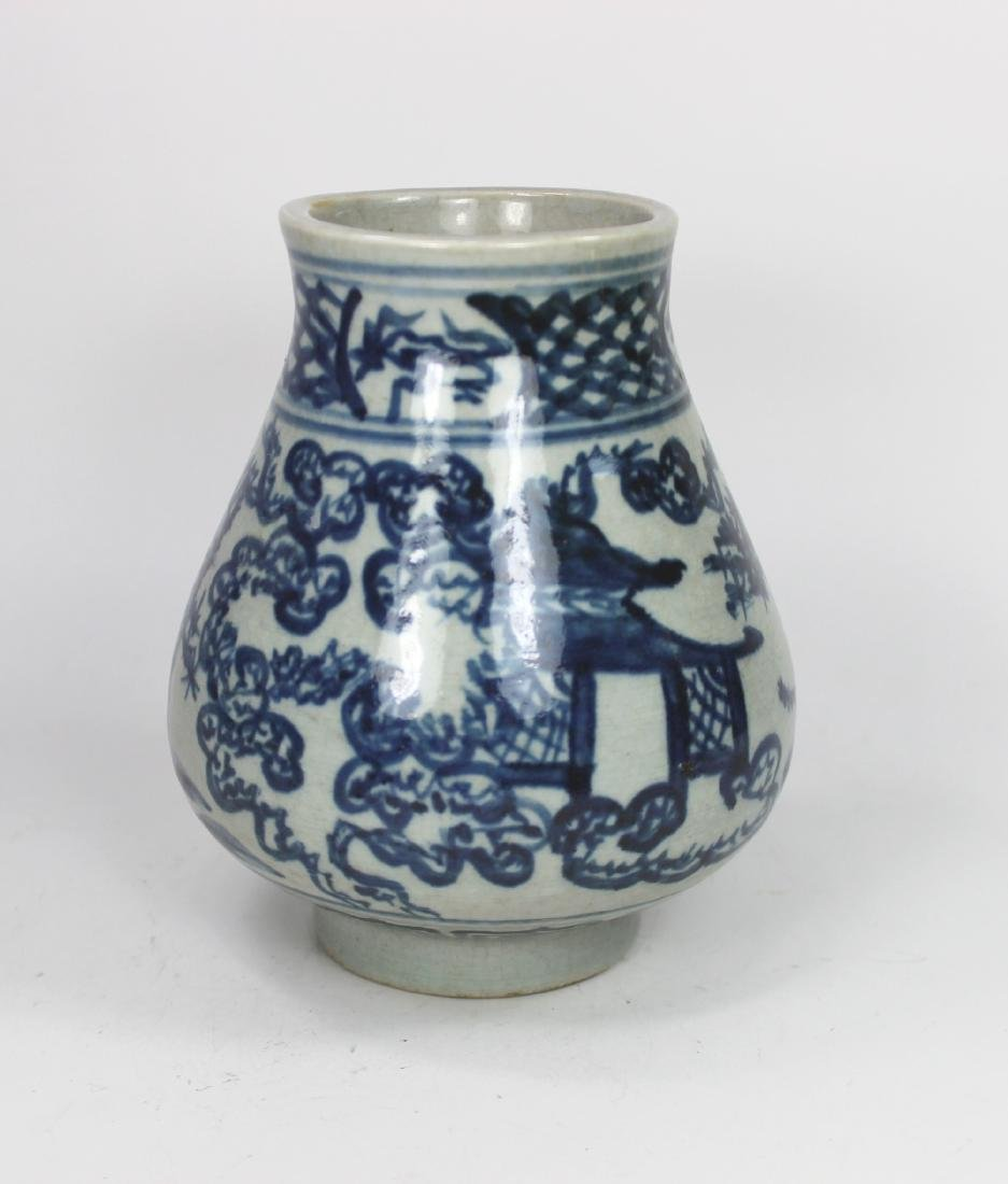 CHINESE BLUE AND WHITE ZUN