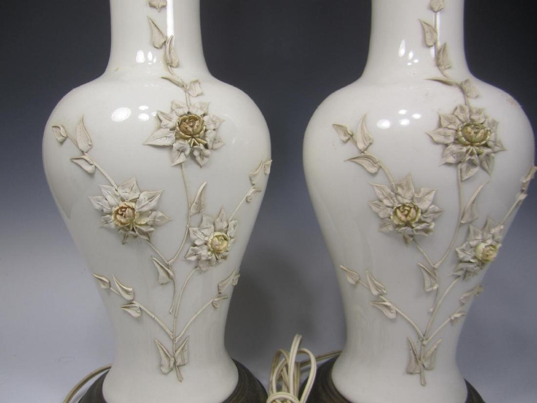 PAIR OF CHINESE WHITE PORCELAIN TABLE LAMPS - 3