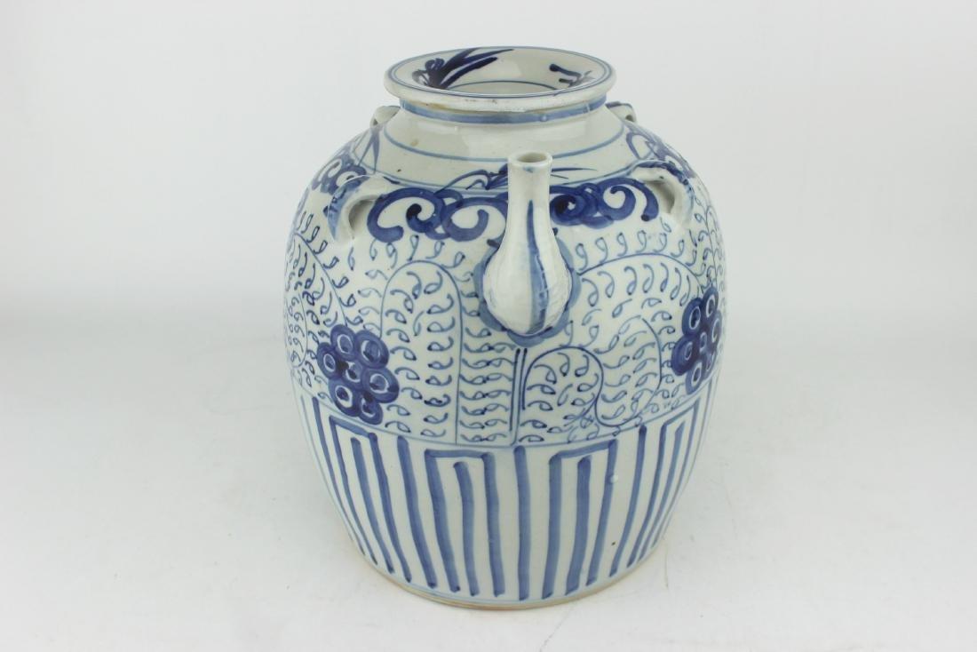LARGE CHINESE BLUE & WHITE TEA POT - 3