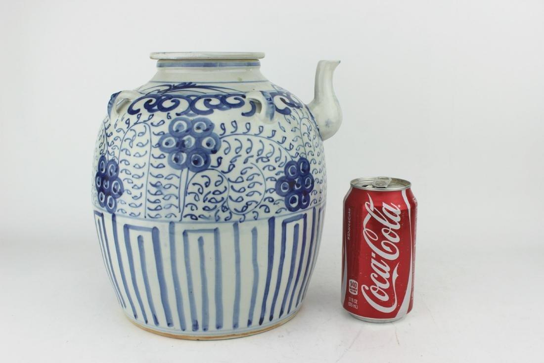 LARGE CHINESE BLUE & WHITE TEA POT - 8
