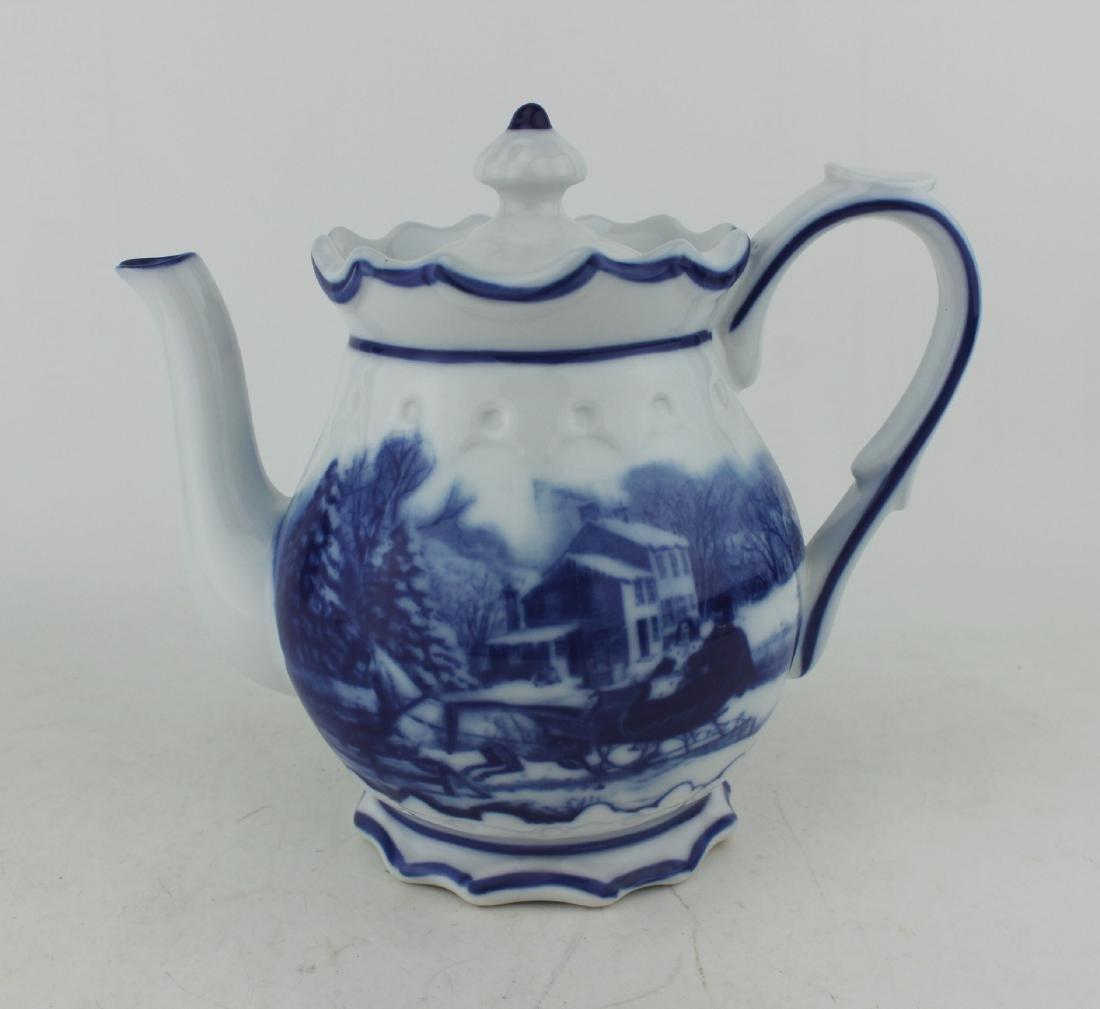 BLUE & WHITE PORCELAIN TEA POT
