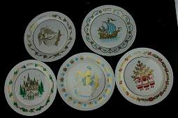 FIVE LIMITED EDITION SPODE CHRISTMAS PLATES