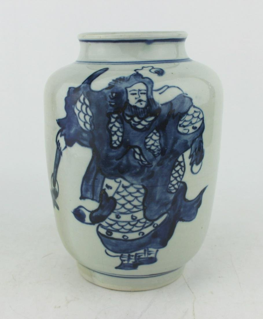 CHINESE BLUE AND WHITE BUD VASE