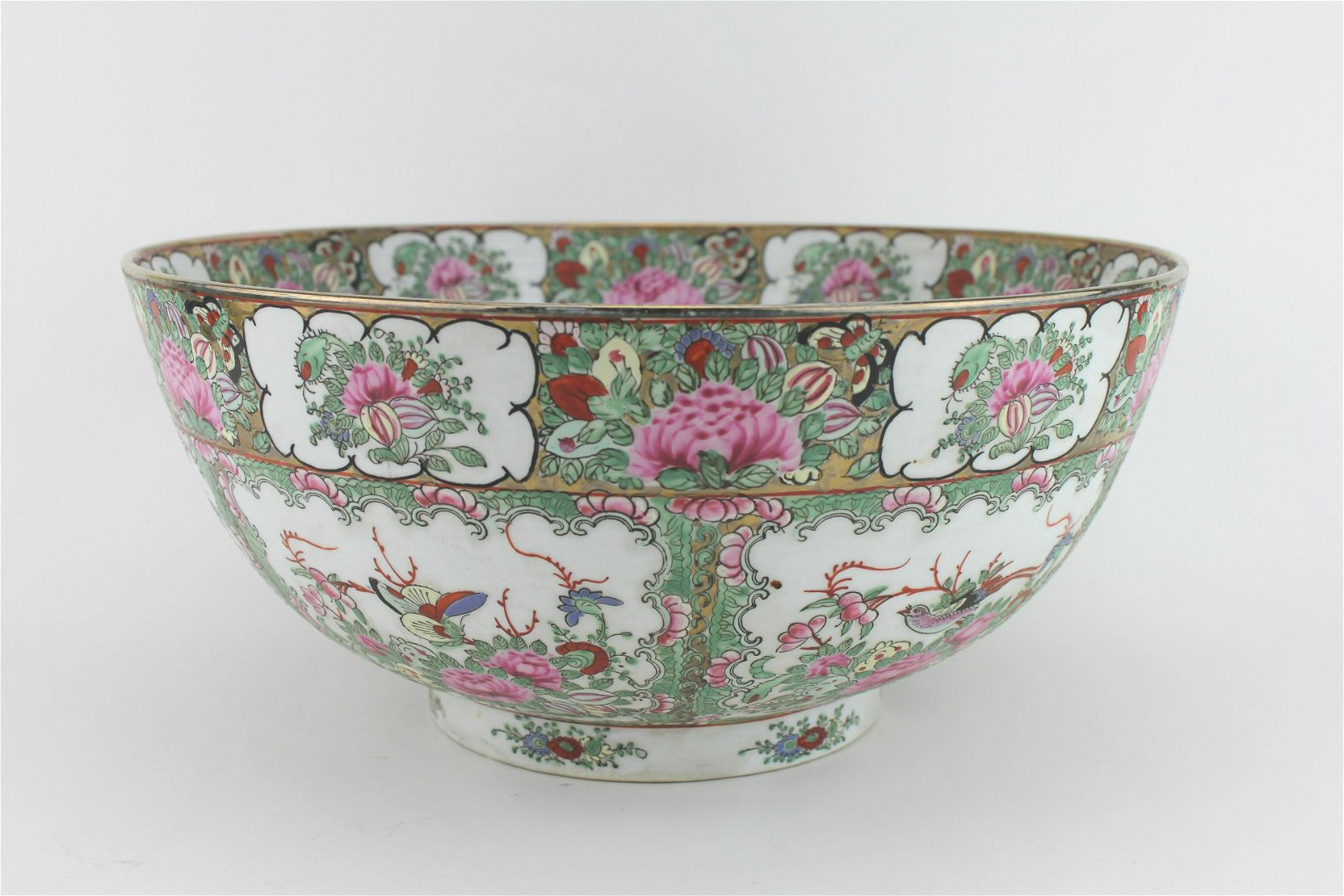 A CHINESE ROSE MEDALLION PUNCH BOWL