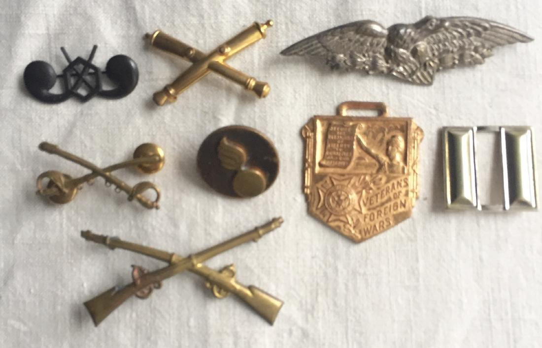 US Military Insignia Pins Badges WWII