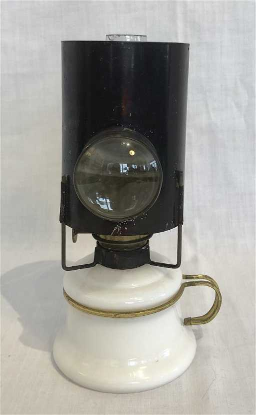 james w. queen & co. philadelphia bullseye lamp