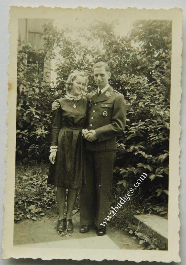 German WW2 photo with AIR GUNNER BADGE - 2