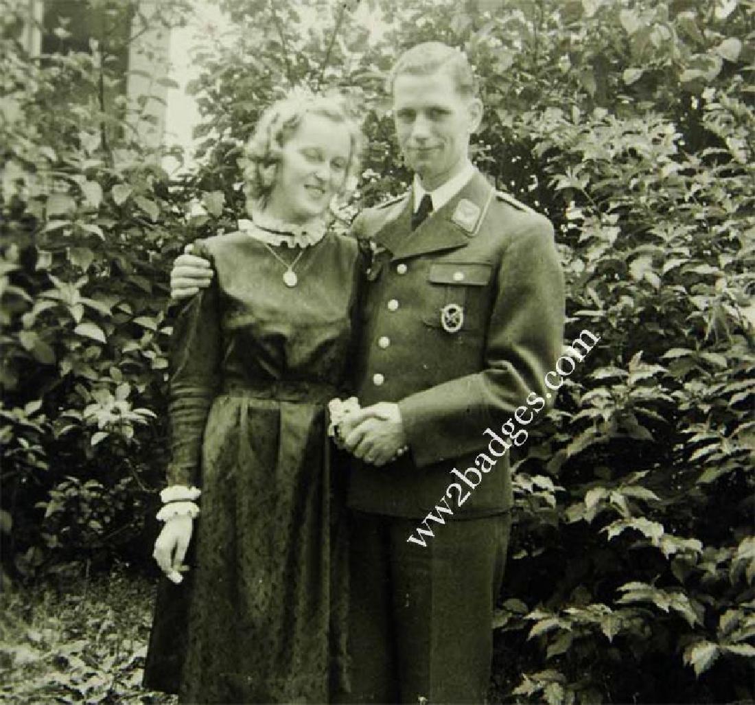 German WW2 photo with AIR GUNNER BADGE - 3