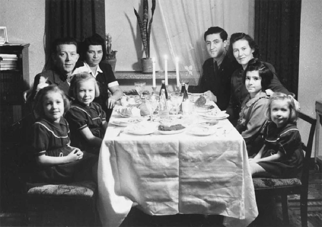 Original Jewish WW2 Hanukkah LIONs w. Menorah, 1942 - 10