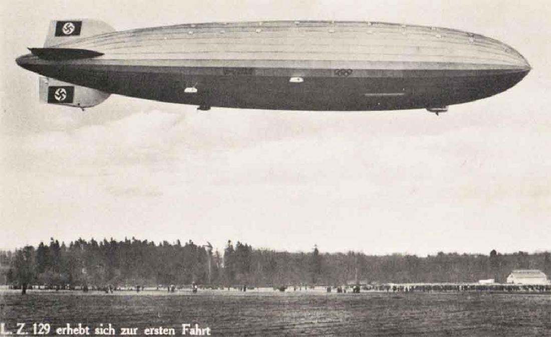 German WW2 NAZI DEUTSCHLAND Postcard Zeppelin, 1939