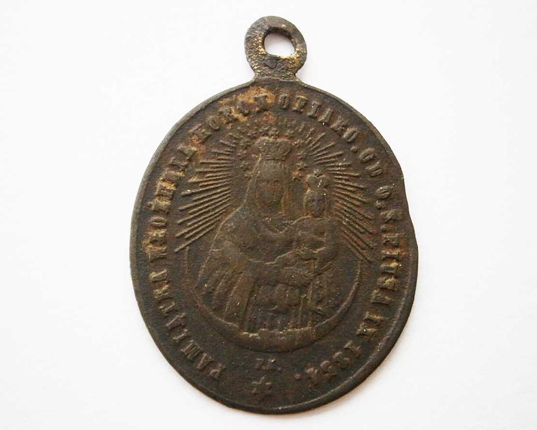 Unusual Poland WW2 Medalion w. STAR of DAVID
